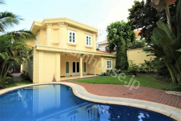 Enjoy beautiful pool and garden at nice villa in Thao Dien District 2