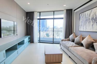 Modern and spacious apartment at City Garden