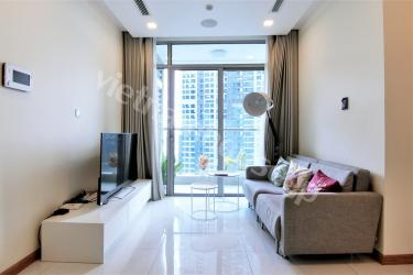 Two bedroom VInhomes apartment with cleaning service