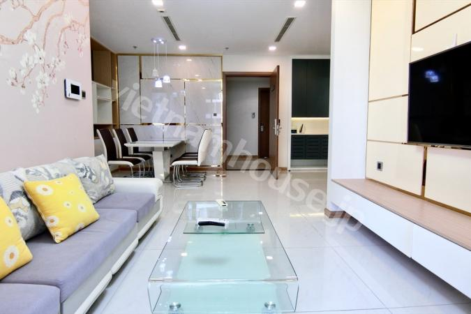 Fully furnished Vinhomes condominium got 2 bedrooms