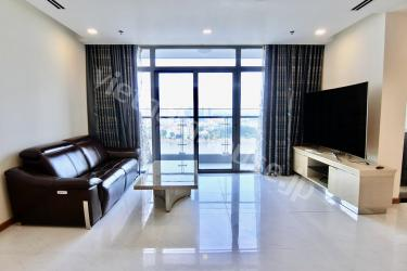 Elevated 4 bedroom family home with Saigon river view