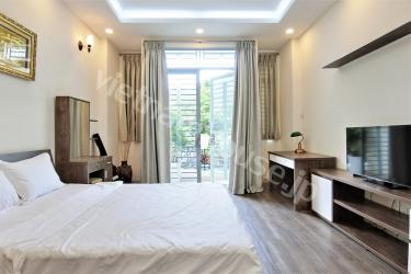 Brilliant serviced apartment on quiet street of District 3