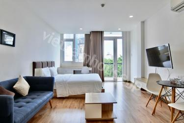Luxury studio with light and cool balcony in Binh Thanh.