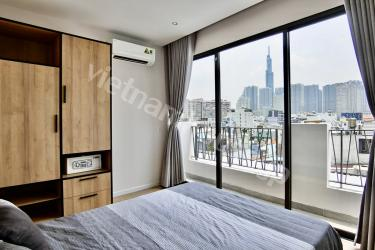 Top-floor studio apartment with paranomic views